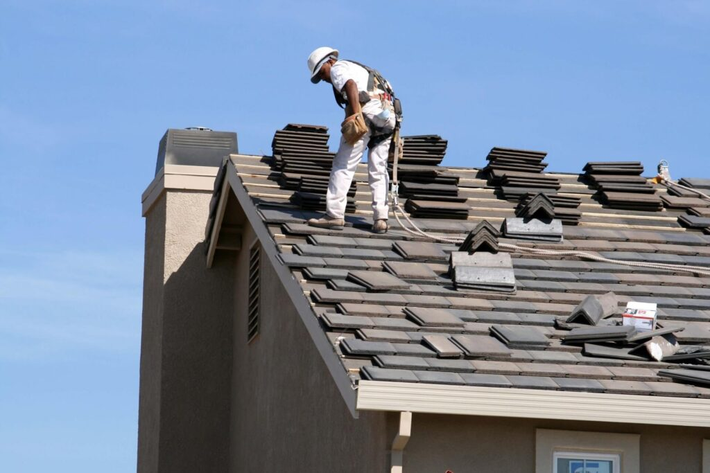 About-Quality Metal Roofing Crew of Plantation