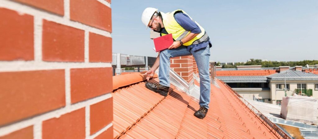 Contact-Quality Metal Roofing Crew of Plantation
