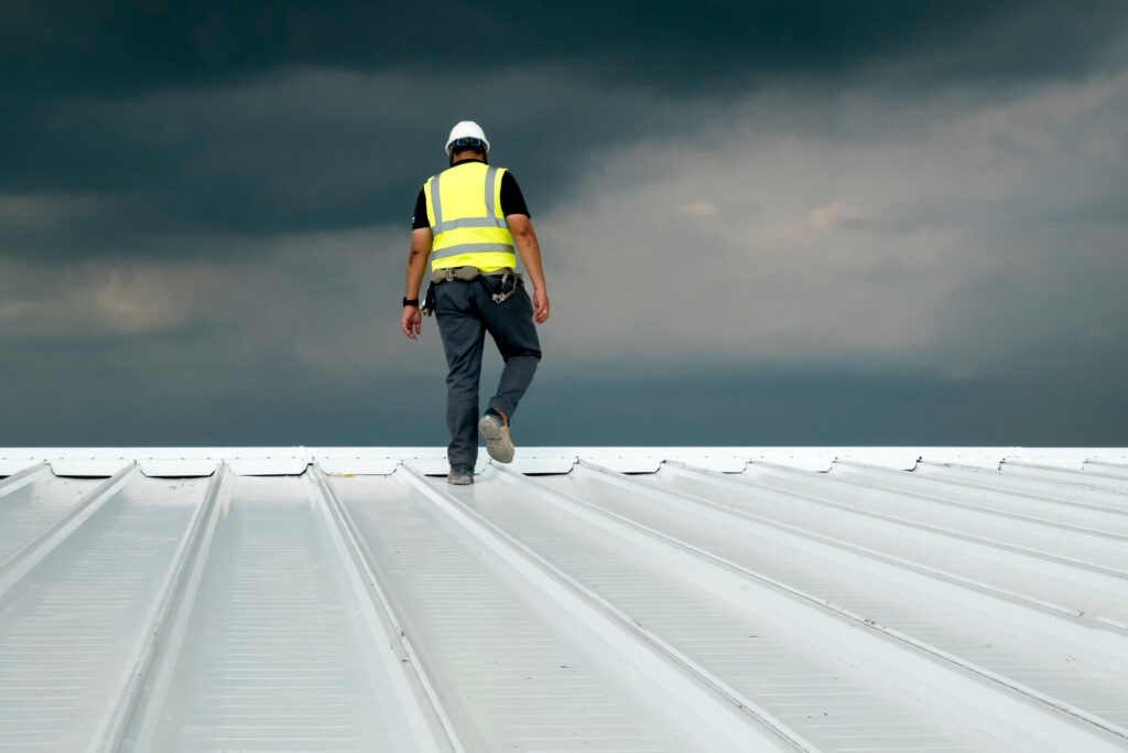 Home-Quality Metal Roofing Crew of Plantation