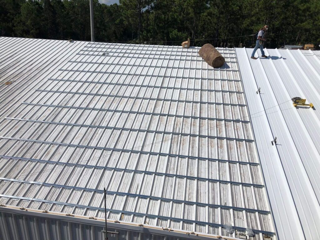 Re-Roofing (Retrofitting) Metal Roofs-Quality Metal Roofing Crew of Plantation