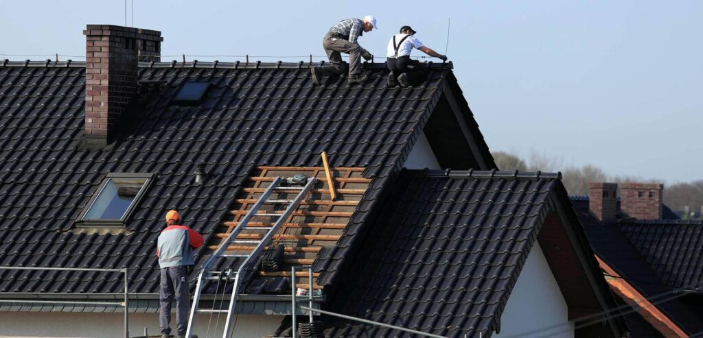 Residential Metal Roofing-Quality Metal Roofing Crew of Plantation